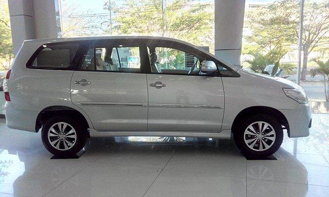 Xe Toyota Innova đời 2015, màu bạc, nhập khẩu nguyên chiếc-2