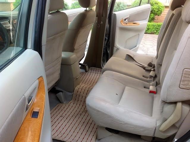 Gia đình tôi cần bán xe Innova G đời 2011-7