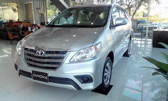 Xe Toyota Innova đời 2015, màu bạc, nhập khẩu nguyên chiếc-3