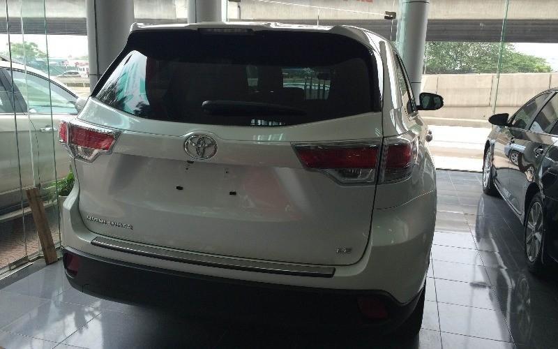 Bán Toyota Highlander 2015 sản xuất 2015 đủ màu, vui lòng liên hệ ngay để có giá tốt nhất-3