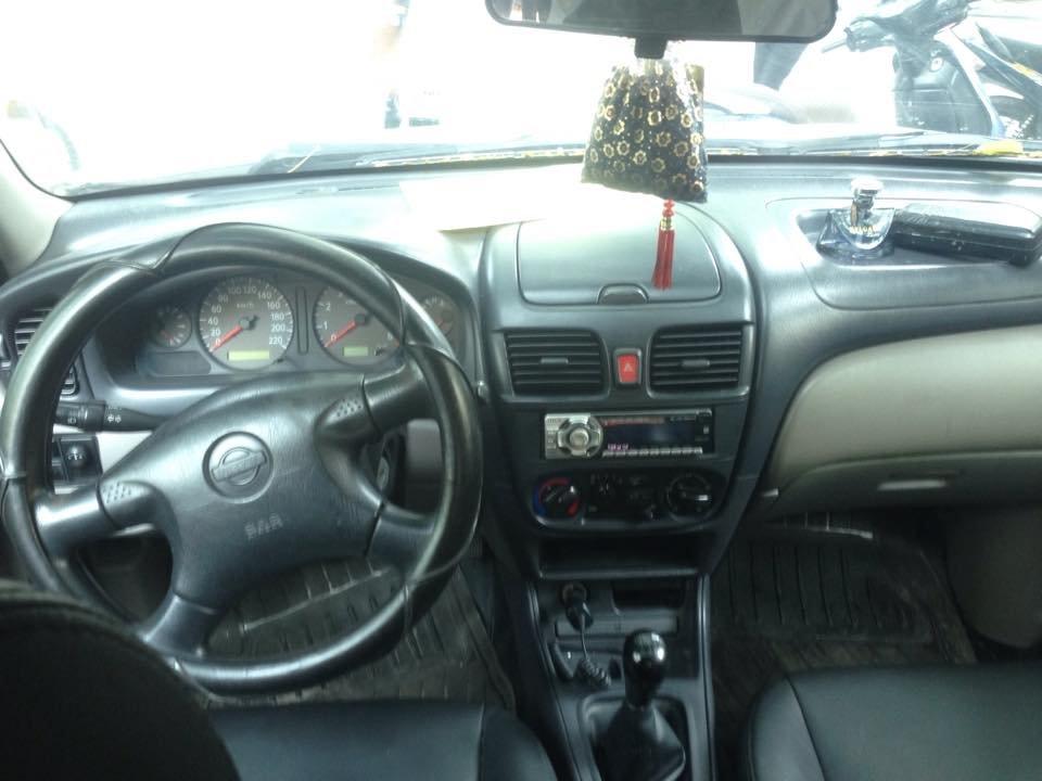 Xe Nissan Sunny đời 2000, màu trắng, nhập khẩu nguyên chiếc-1