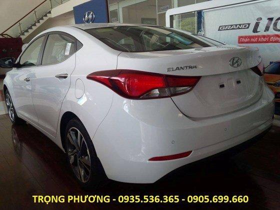 Bán xe Hyundai Elantra 2015, màu trắng, nhập khẩu chính hãng-6