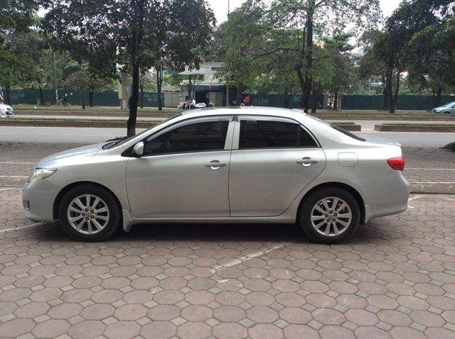 Cần bán gấp xe Toyota Corolla đời 2008, màu bạc, nhập khẩu nguyên chiếc, chính chủ-1
