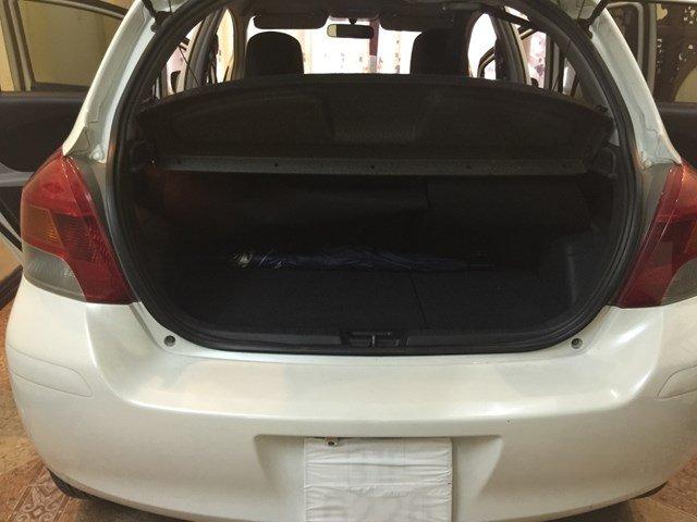 Toyota Yaris năm 2010, màu trắng, xe nhập, chính chủ-0