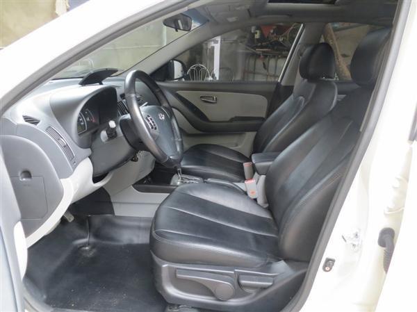 Cần bán lại xe Hyundai Avante đời 2014, màu trắng, như mới, giá chỉ 550 triệu-3