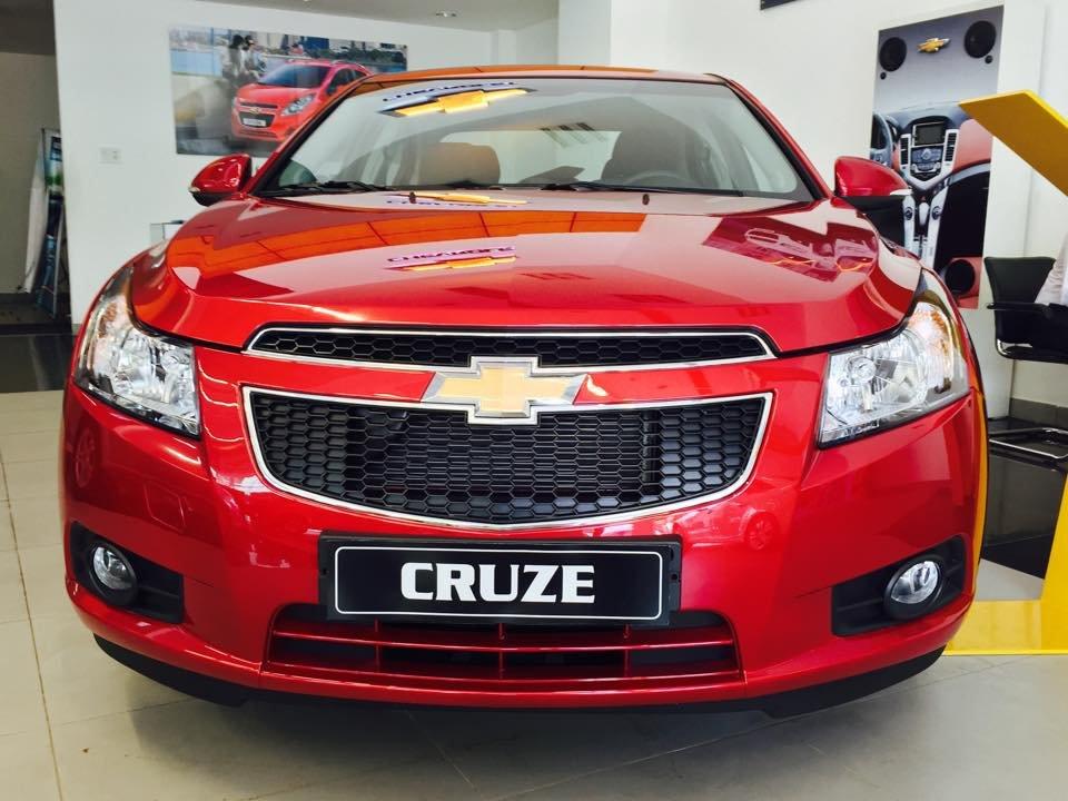 Bán xe Chevrolet Cruze LS năm 2015, màu đỏ-2
