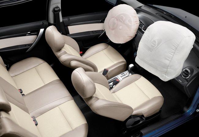 Chevrolet Giải Phóng bán xe Chevrolet Aveo mới đem lại phong cách lịch lãm sang trọng-4