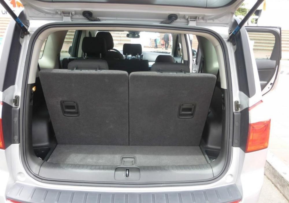 Khuyến mãi tiền mặt và phụ kiện xe Chevrolet Orlando số tự động lên đến 43.000.000đ-3