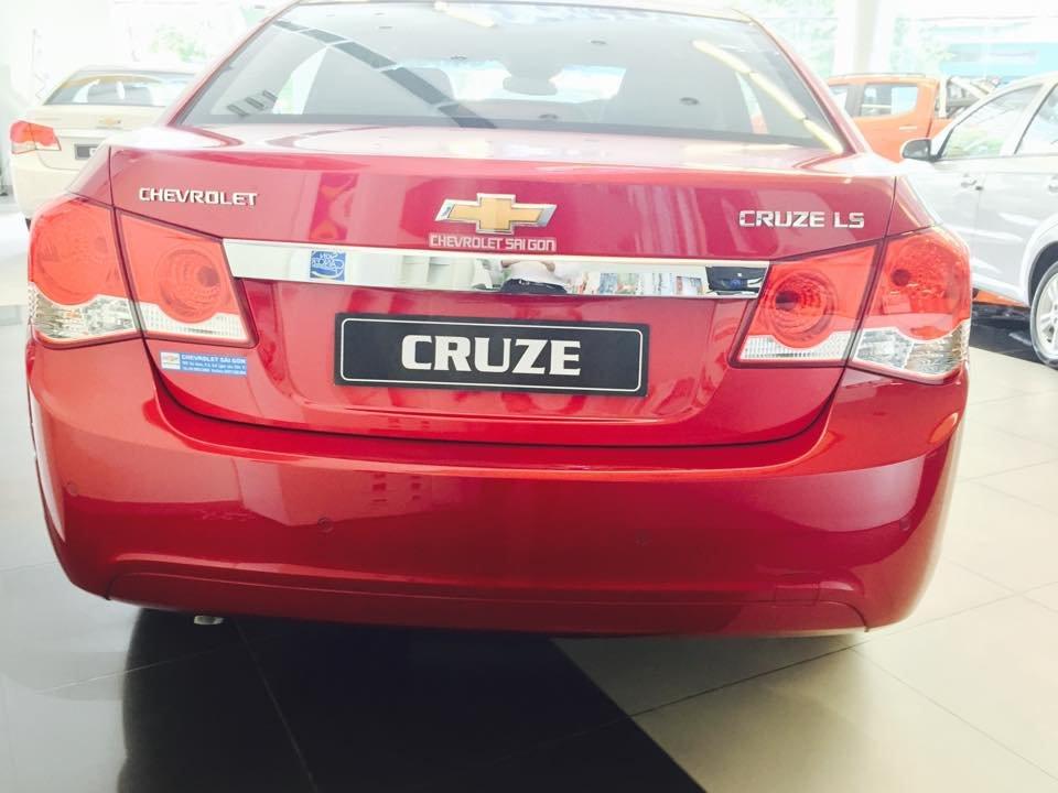 Bán xe Chevrolet Cruze LS năm 2015, màu đỏ-3
