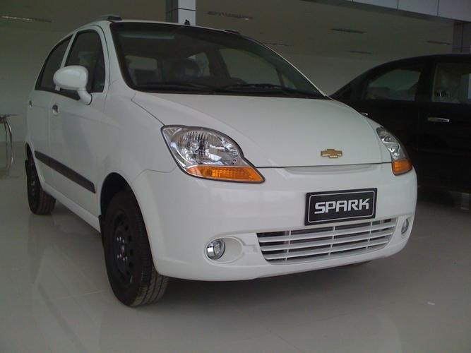 Khuyến mãi tiền mặt và phụ kiện xe Chevrolet Spark số tự động lên đến 43.000.000đ-5