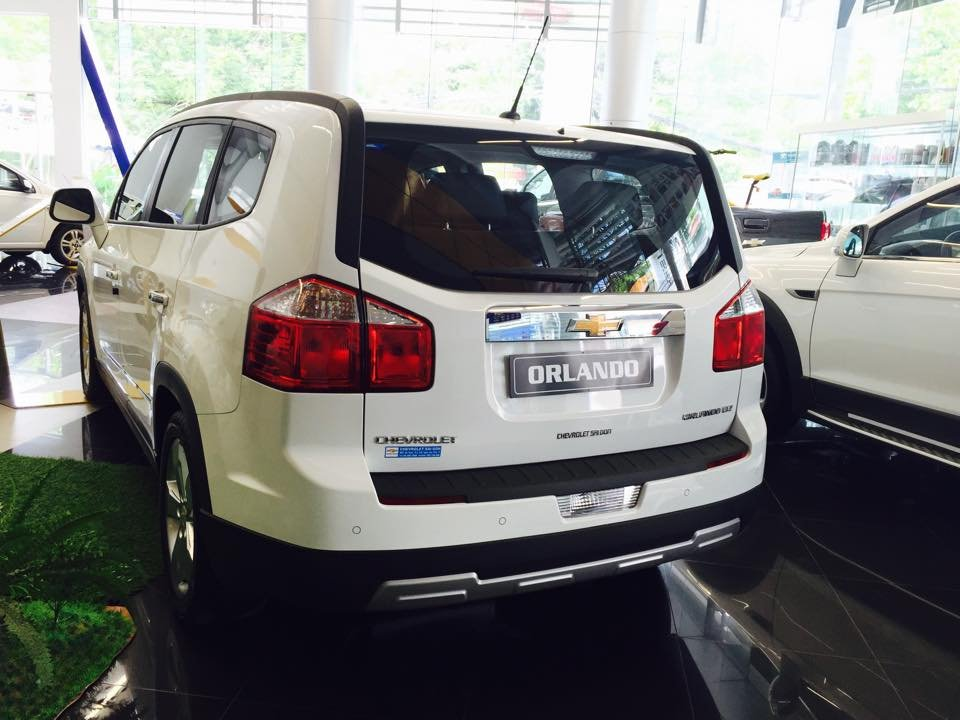Chevrolet Orlando 1.8L LTZ - AT 759 triệu tặng dán phim 3m 5 món phụ kiện cần bán-3