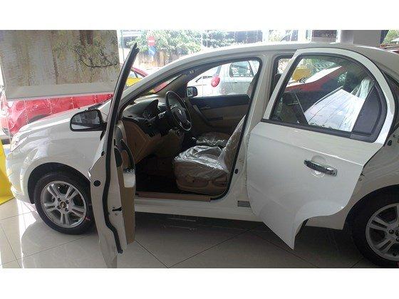 Bán ô tô Chevrolet Aveo đời 2015, màu trắng, xe nhập -1