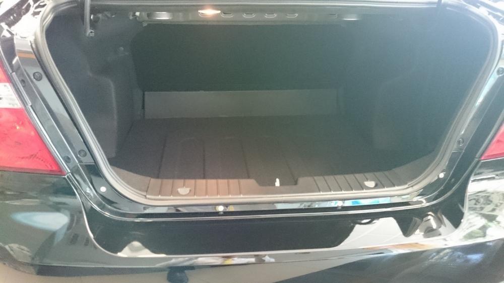 Cần bán xe Chevrolet Aveo 2015 giá 447 tr xe đẹp long lanh-7