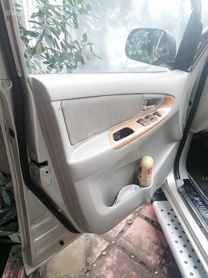 Cần bán lại xe Toyota Innova G đời 2008, màu bạc còn mới-1