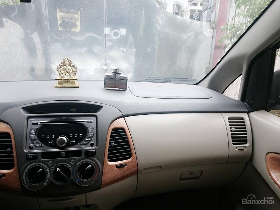 Cần bán lại xe Toyota Innova G đời 2008, màu bạc còn mới-3