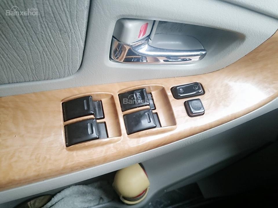 Cần bán lại xe Toyota Innova G đời 2008, màu bạc còn mới-6
