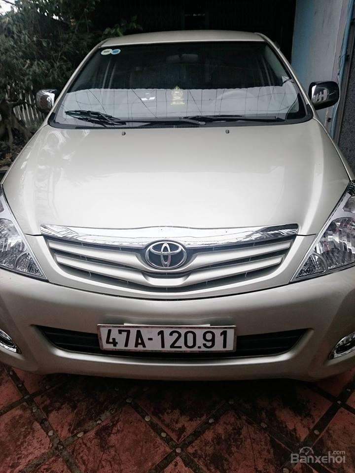 Cần bán lại xe Toyota Innova G đời 2008, màu bạc còn mới-0