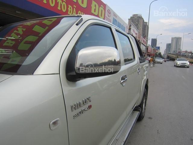 Bán xe Toyota Hilux đời 2010, màu ghi vàng, nhập khẩu Thái Lan-4