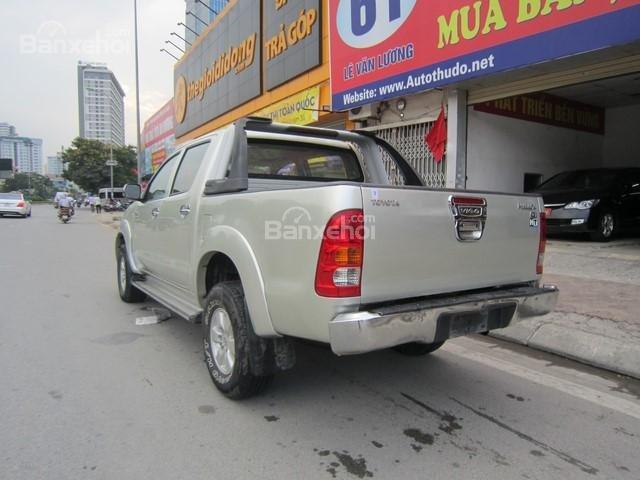 Bán xe Toyota Hilux đời 2010, màu ghi vàng, nhập khẩu Thái Lan-5