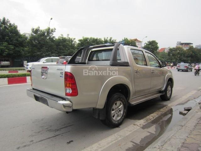 Bán xe Toyota Hilux đời 2010, màu ghi vàng, nhập khẩu Thái Lan-7