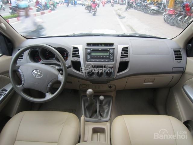 Bán xe Toyota Hilux đời 2010, màu ghi vàng, nhập khẩu Thái Lan-12
