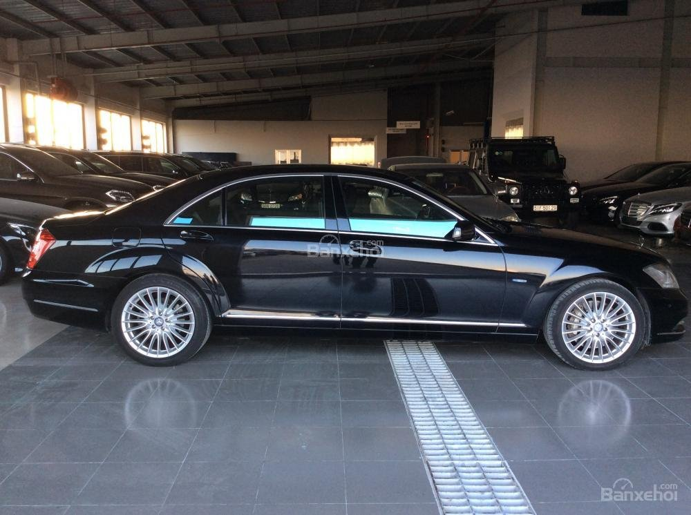 Cần bán xe Mercedes S500 đời 2011, màu đen, nhập khẩu-1