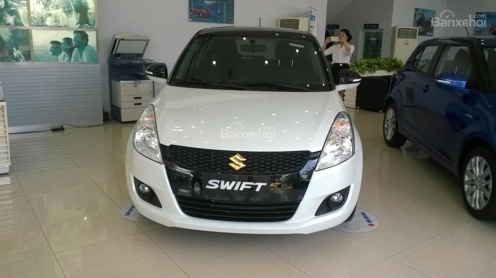 Bán Suzuki Swift đời 2015, màu trắng  0906031699-0