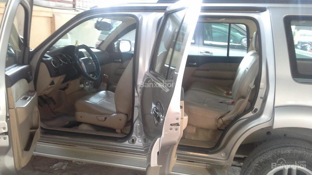 Cần bán Ford Everest đời 2009, màu bạc, nhập khẩu nguyên chiếc chính chủ, giá chỉ 575 triệu-1