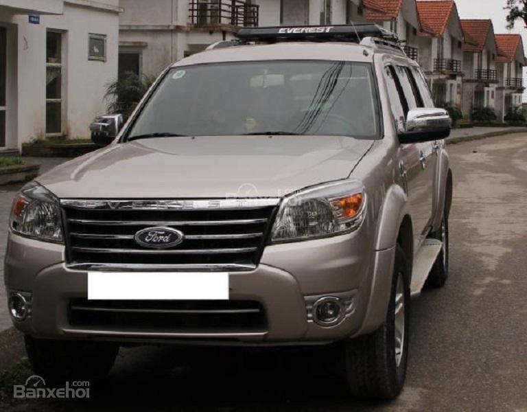 Cần bán Ford Everest đời 2009, màu bạc, nhập khẩu nguyên chiếc chính chủ, giá chỉ 575 triệu-3