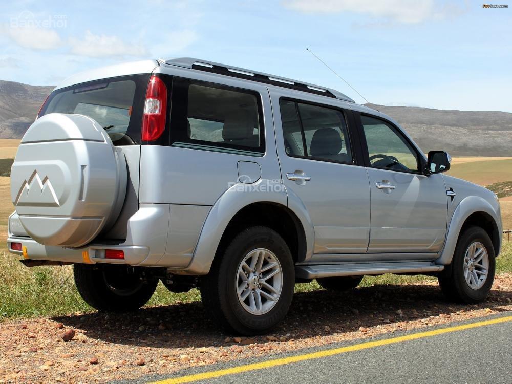 Cần bán Ford Everest đời 2009, màu bạc, nhập khẩu nguyên chiếc chính chủ, giá chỉ 575 triệu-0