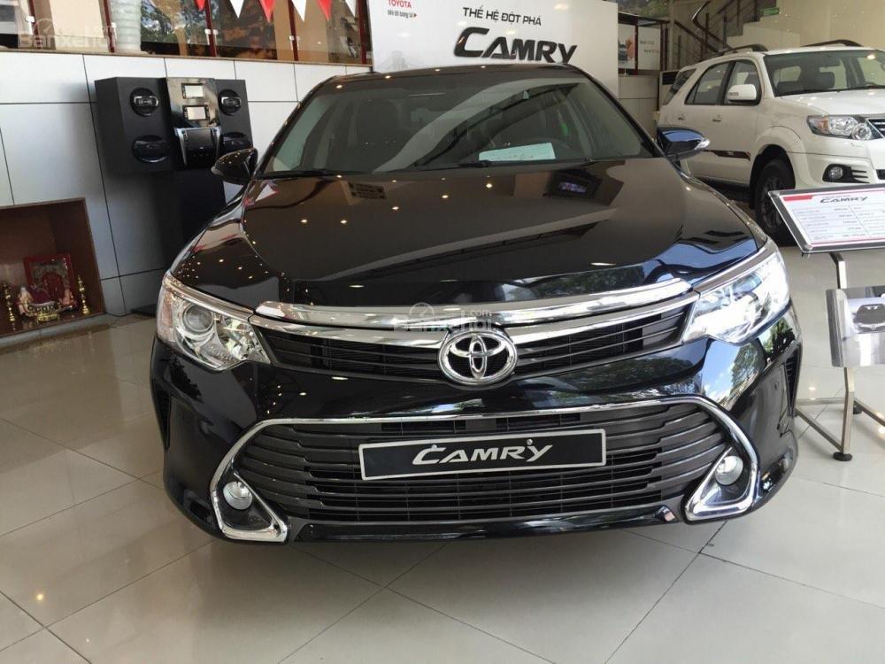 Toyota An Sương bán xe Toyota Camry 2.5G màu đen giảm tiền tặng quà-0