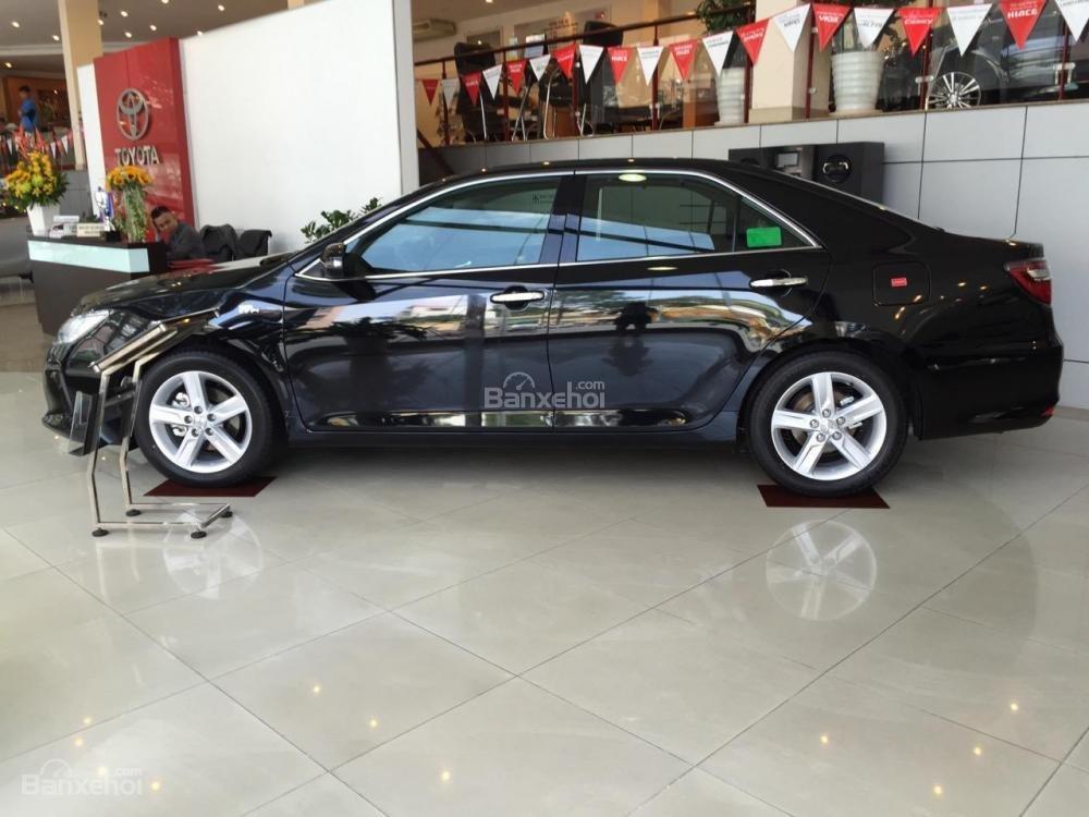 Toyota An Sương bán xe Toyota Camry 2.5G màu đen giảm tiền tặng quà-2