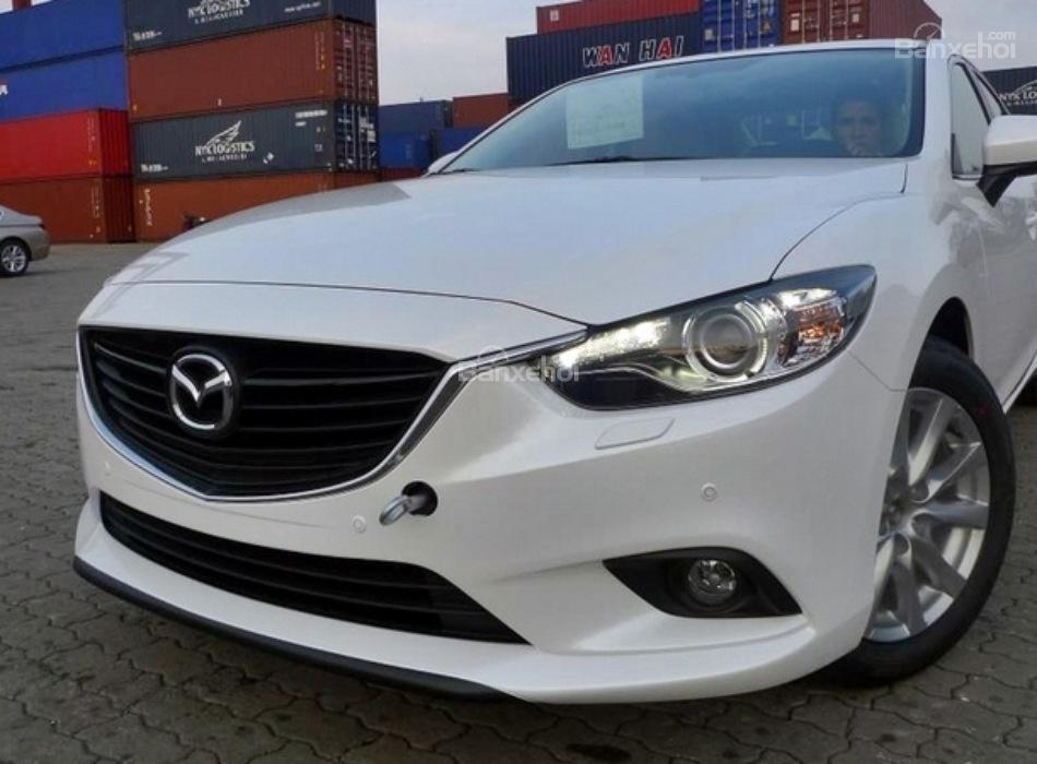 Cần bán Mazda 6 2.5L 2015, màu trắng, giá tốt nơi, giá rẻ-1