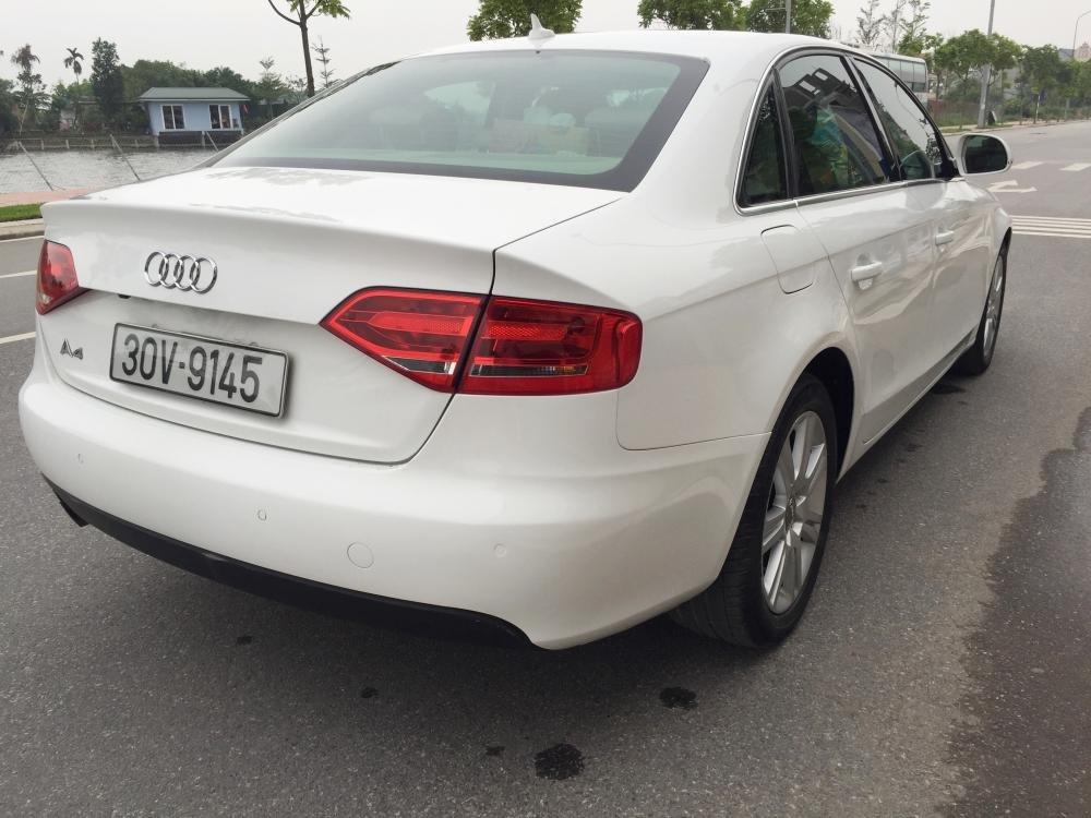 Cần bán gấp Audi A4 đời 2009, màu trắng, nhập khẩu nguyên chiếc, số tự động -5