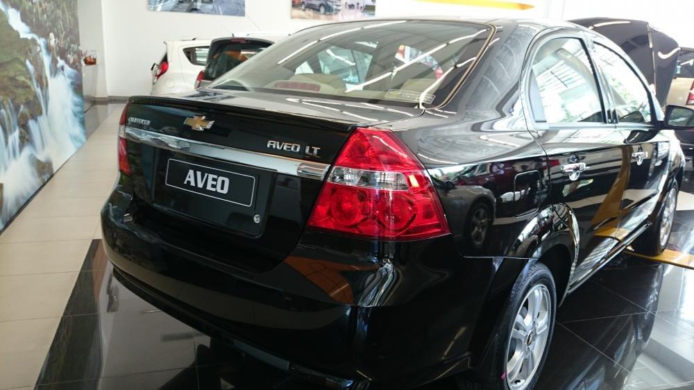 Bán xe Chevrolet Aveo đời 2015 xe màu đen đẹp nguyên bản-6