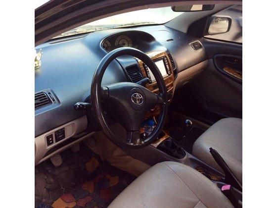 Cần bán gấp Toyota Vios sản xuất 2005, màu đen, nhập khẩu nguyên chiếc, chính chủ-1
