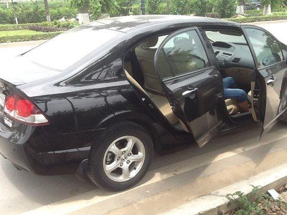 Bán ô tô Honda Civic 1.8AT đời 2011, màu đen, nhập khẩu nguyên chiếc, còn mới-1