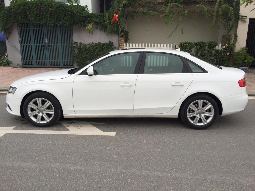 Cần bán gấp Audi A4 đời 2009, màu trắng, nhập khẩu nguyên chiếc, số tự động -0