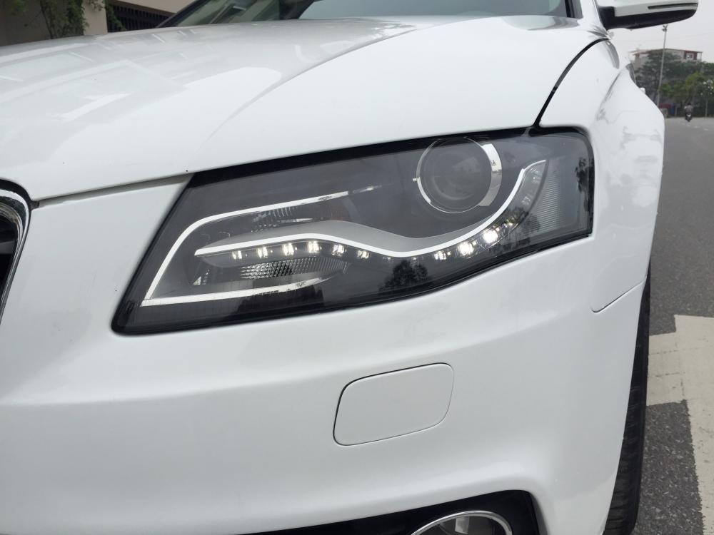 Cần bán gấp Audi A4 đời 2009, màu trắng, nhập khẩu nguyên chiếc, số tự động -8