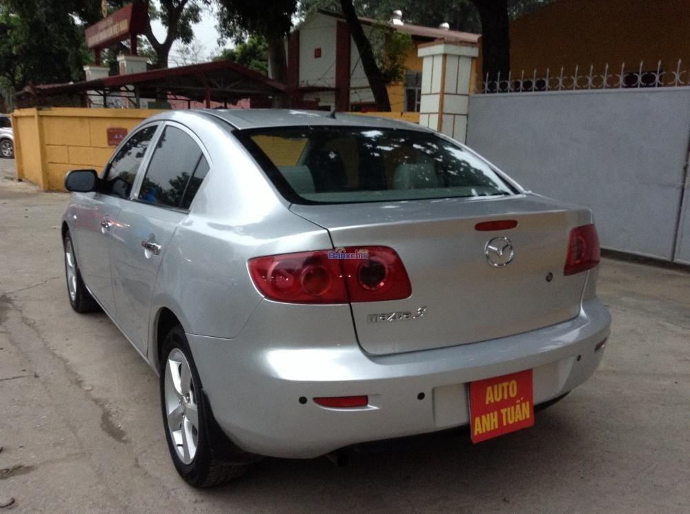 Cần bán Mazda 3 đời 2004, màu bạc, giá 385tr-5
