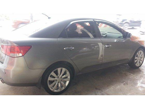 Cần bán xe Kia Forte đời 2012, màu xám, nhập khẩu, số sàn -5