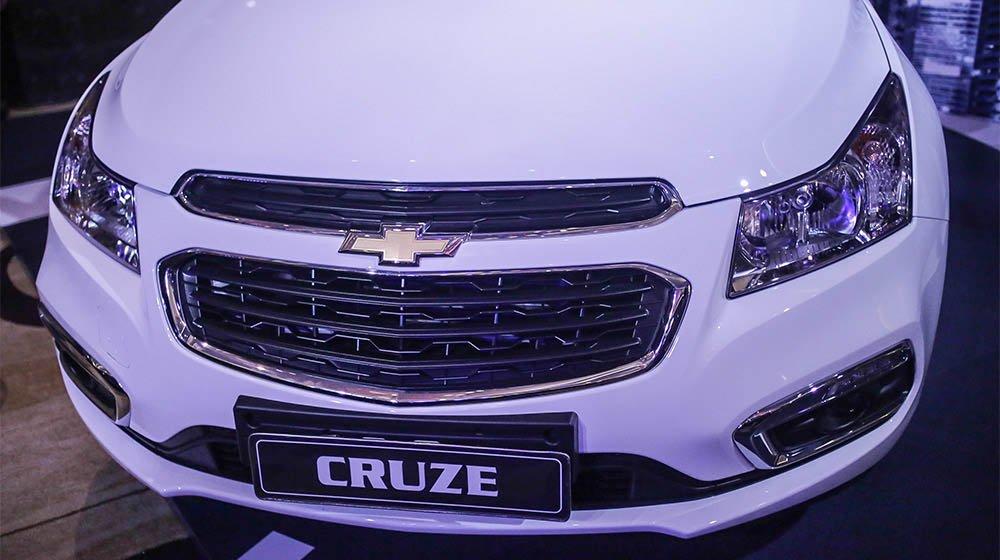 Bán ô tô Chevrolet Cruze sản xuất 2015, màu trắng, 552 triệu xe đẹp-3