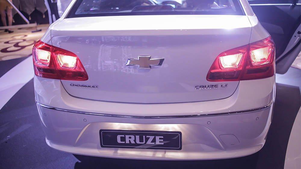 Bán ô tô Chevrolet Cruze sản xuất 2015, màu trắng, 552 triệu xe đẹp-5
