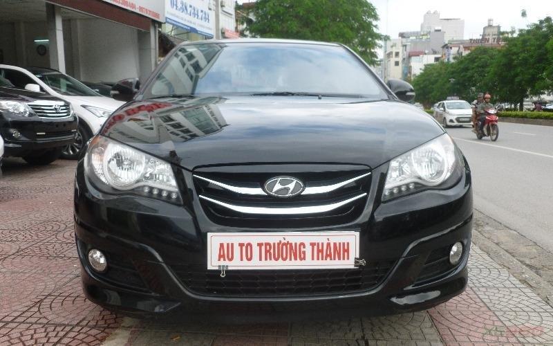 Cần bán gấp Hyundai Avante đời 2011, màu đen, số tự động-0