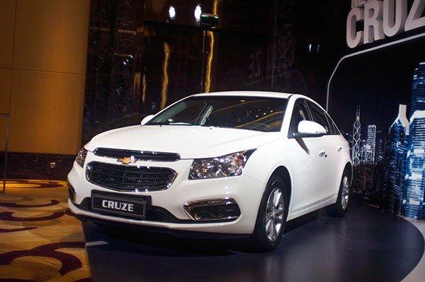 Bán ô tô Chevrolet Cruze sản xuất 2015, màu trắng, 552 triệu xe đẹp-2