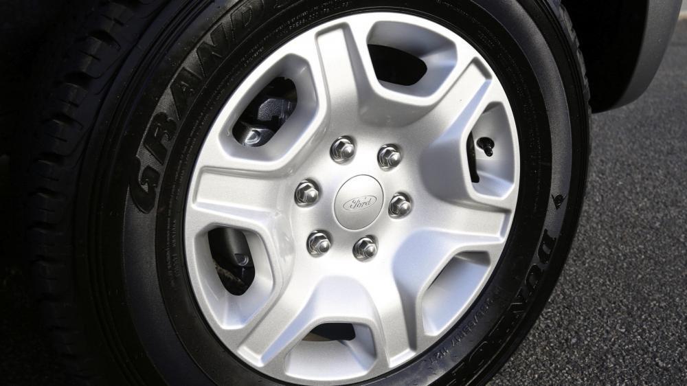 Cần bán Ford Ranger năm 2015, màu xanh lục, nhập khẩu chính hãng, giá chỉ 758 triệu-6