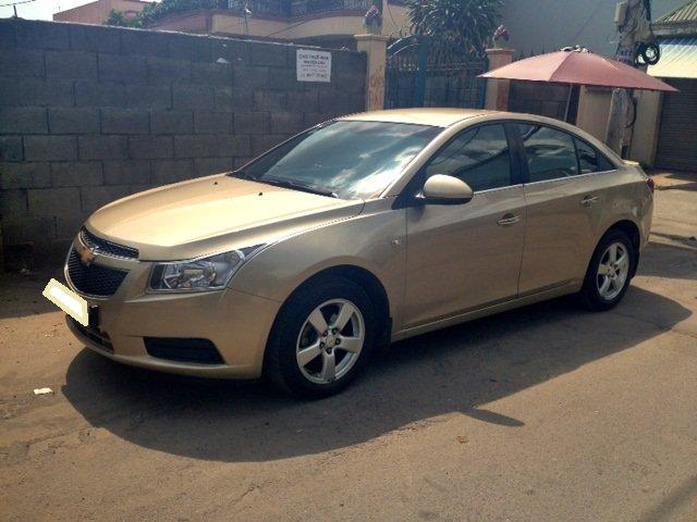Chevrolet Cruze MT 2013 màu vàng cát, kính bấm điện, nội thất da-0
