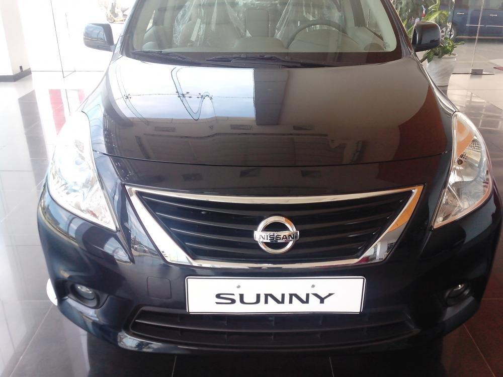 Cần bán xe Nissan Sunny sản xuất 2015, màu đen, giá 135tr-0