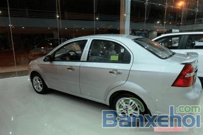 Chevrolet Aveo 2015 phiên bản mới số sàn 5 cấp, 2 túi khí, hệ thống chống bó cứng phanh ABS-3