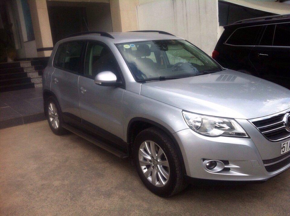 Cần bán Volkswagen Tiguan đời 2011, màu bạc, nhập khẩu chính hãng-0